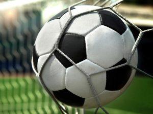 Футбольные баталии врачей продолжаются