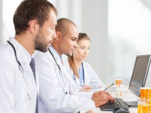 Минздрав обяжет врачей вносить информацию о лекарствах в систему МДЛП