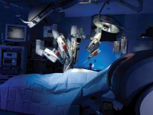 Робот-травматолог проводит сложнейшие операции на суставах (видео)