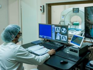 В Санкт-Петербурге пять центров компьютерной томографии принимают горожан с подозрением на COVID-19