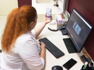 Врачи онлайн: в Петербурге из-за пандемии стала популярной телемедицина